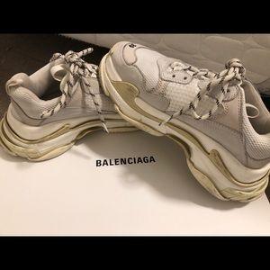 Balenciaga triple s sneakers size 39